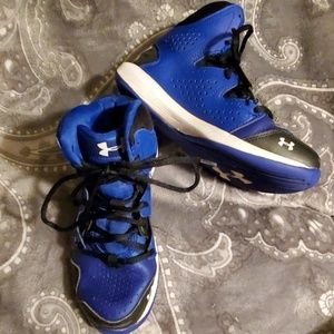 Under Armour youth Size 3.5